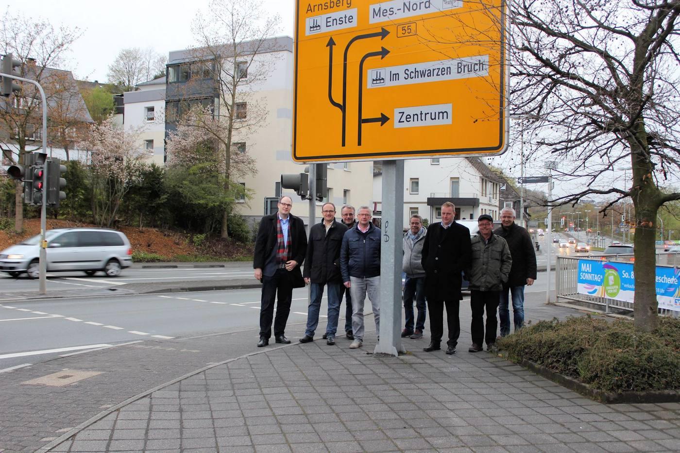 """Mit täglich rund 24.000 Fahrzeugen ist die B 55 im Abschnitt Steinstraße bis Antoniusbrücke die am stärksten befahrene Straße Meschedes. """"Hier muss sich dringend etwas tun"""", ist sich die CDU-Fraktion im Mescheder Stadtrat einig."""